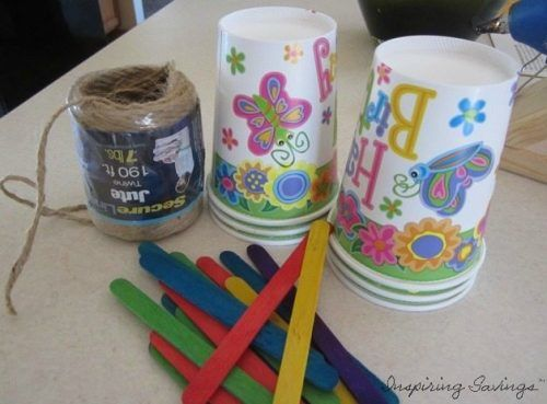 Don't you just love doing fun projects with your kids? I DO!! This Paper Cup Hanging Seedling Planter will give your kids a sense of accomplishment.