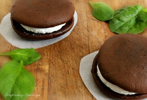 A recipe for healthy Hidden Veggie chocolate whoopie pies. A traditional recipe with a little twist. These delicious little cake-like cookies contain spinach.  Perfectly sweet with a rich chocolate cake and a creamy marshmallow filling.