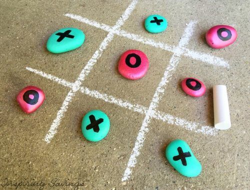 Looking for a fun kids activity to do outside this summer? Make this DIY Painted Rock Tic Tac Toe Set. It is perfect for birthday parties or an activity to do with your kids. Get the kids involved.