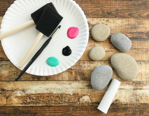 Gathering your supplies is easy. Then you can get ready to enjoy this Painted Rock Tic Tac Toe Game with your kids