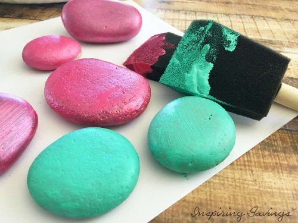 painted rocks for tic tac toe game