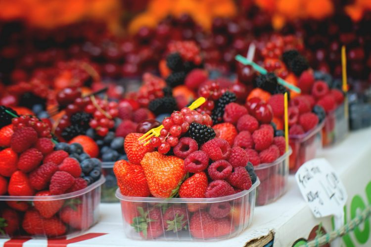 Save Money of fresh produce - purchasing in season fruit