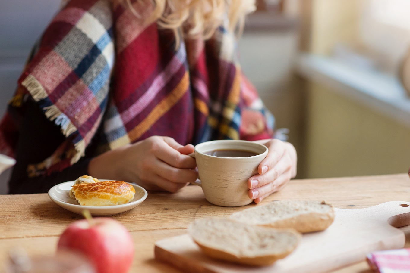 drinking coffee at home - gifts that save money