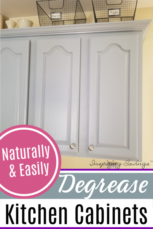 Naturally & Easily Clean your Kitchen Cabinets