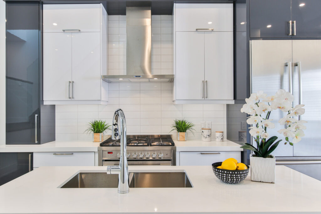 Keep a tidy house -clean kitchen
